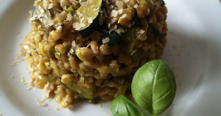 "Spelt ""risotto"" with zuchinni, green pepper and mushrooms"